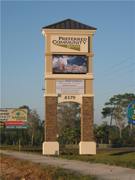 Preferred Community Bank, Ft Myers, FL Pylon Sign