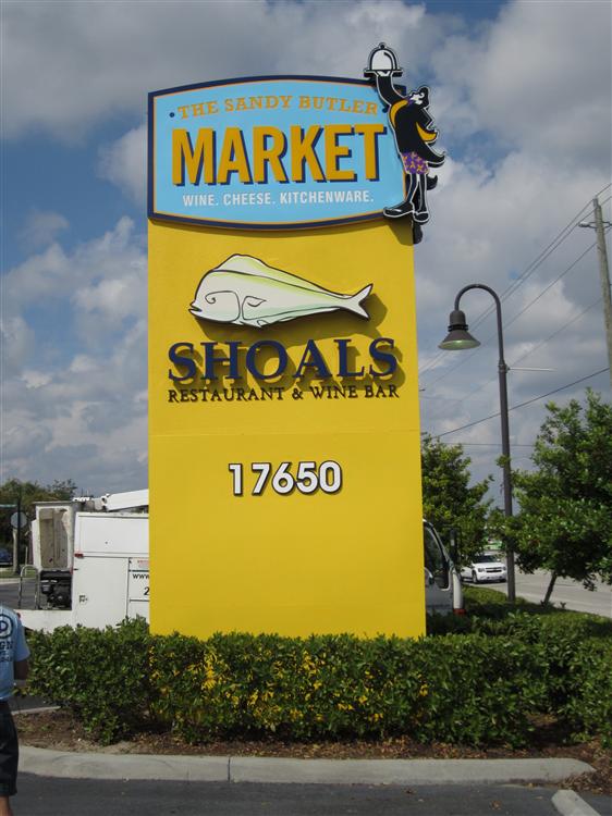 The Sandy Butler Market, Shoals Restaurant & Wine Bar, Ft. Myers by Lee Designs