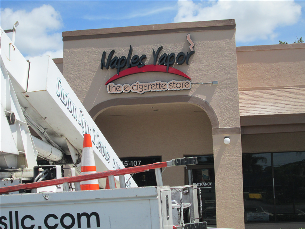 Naples Vapor, Naples, FL by Lee Designs