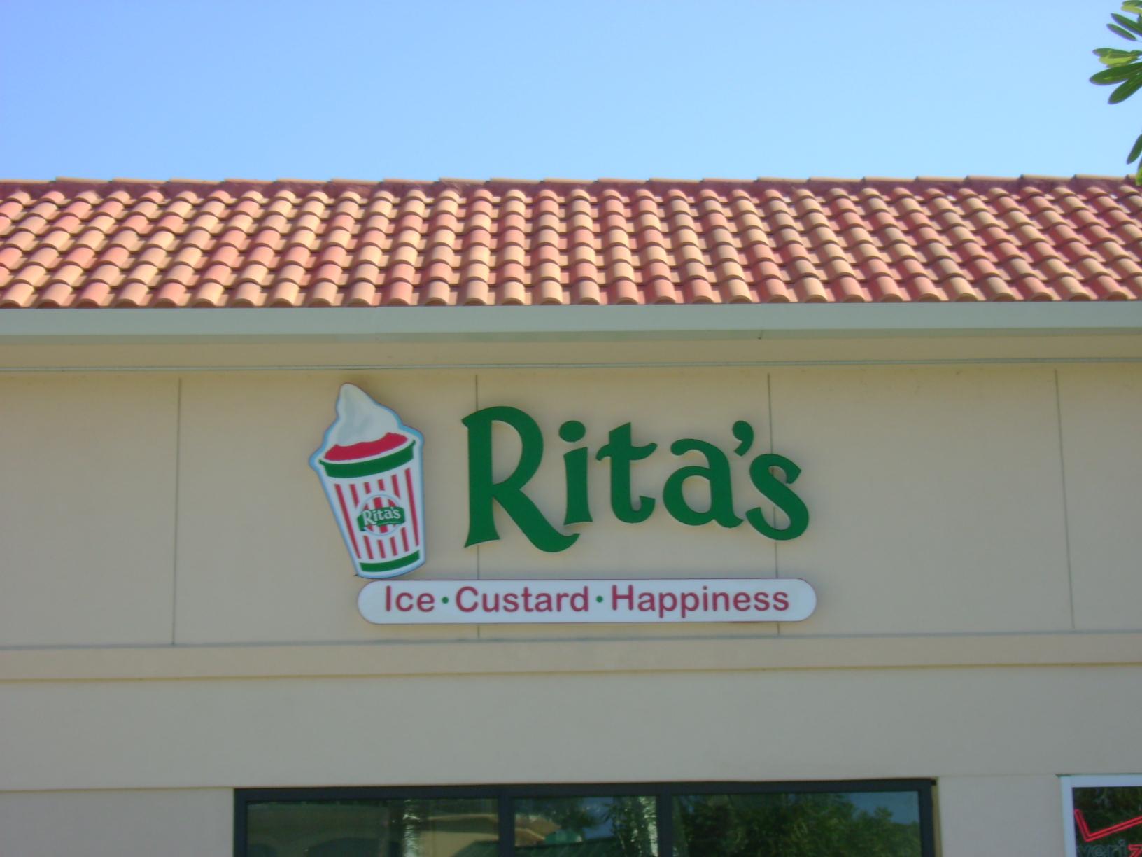 Rita's, Estero, FL by Lee Designs