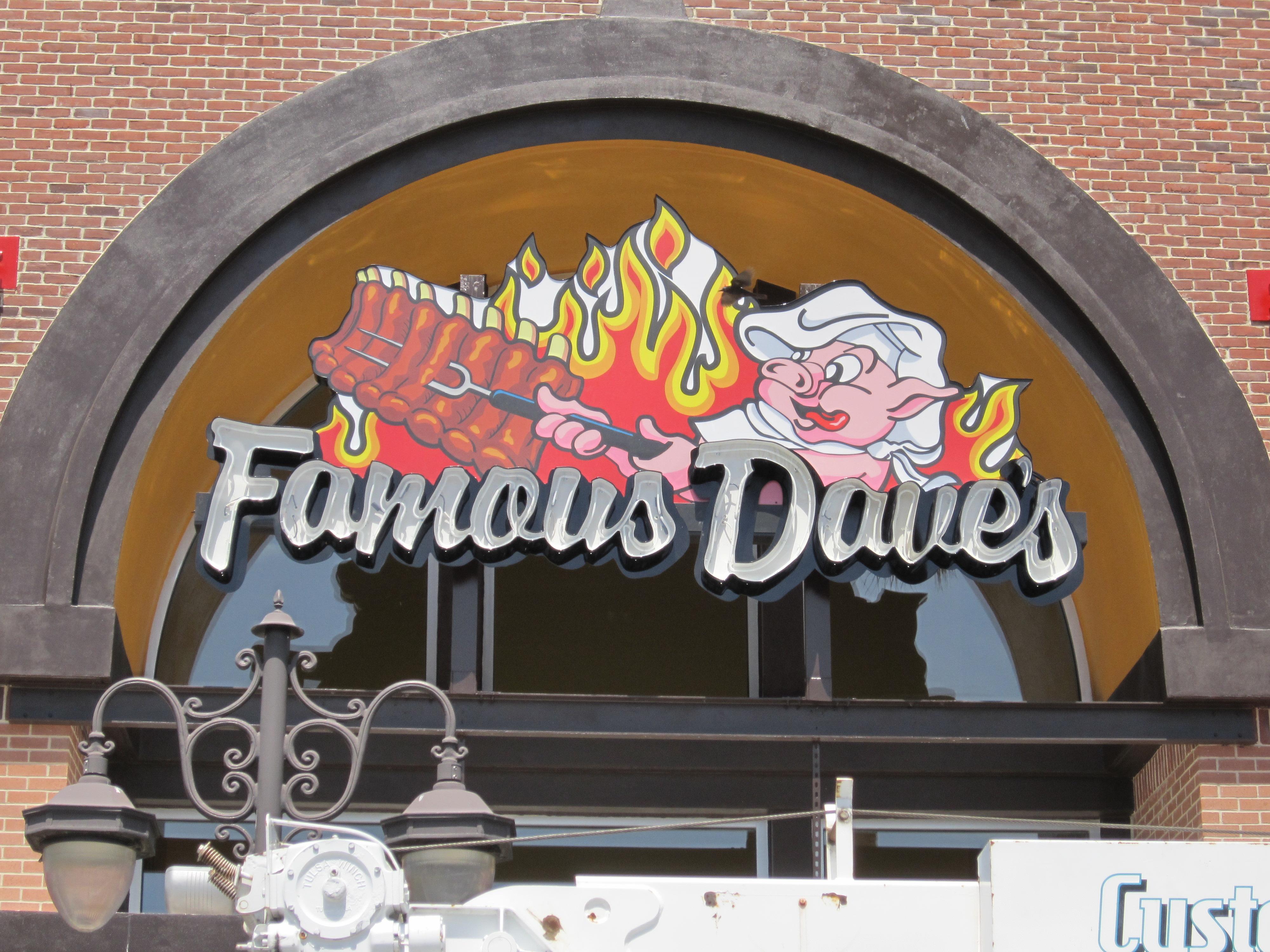 Famous Dave's, Estero, FL by Lee Designs