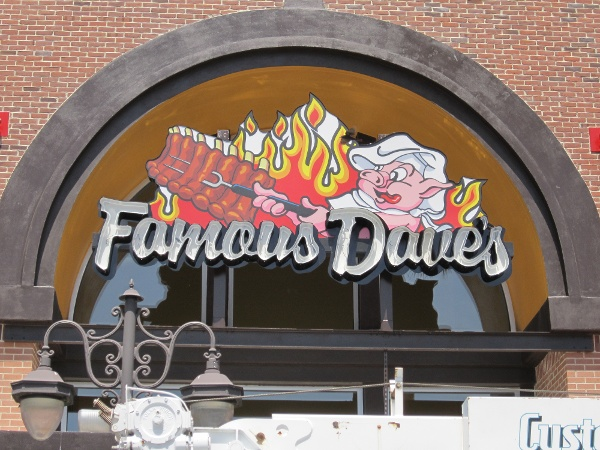 Famous Dave's, Estero, FL by Lee Designs